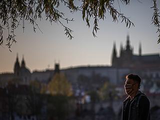 Csehország: négy nap, 9100 új koronavírus-fertőzött