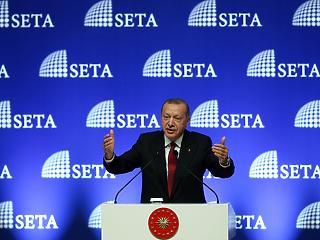 Erdogan a törököknek: dobjátok el az iPhone-okat!