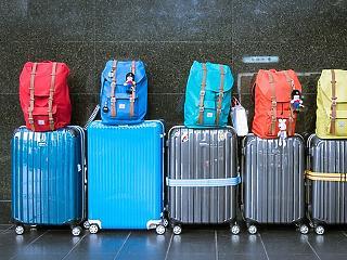 A reptéren razziáztak a hatóságok: átnéztek több mint 200 csomagot
