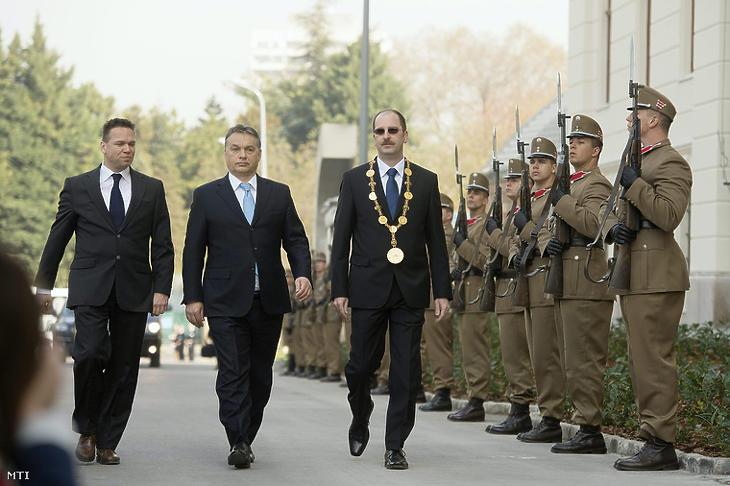 Orbán Viktor a Nemzeti Közszolgálati Egyetem felújított Ludovika-főépületének avatásán, 2014. március 31-én. (Fotó: Koszticsák Szilárd / MTI)
