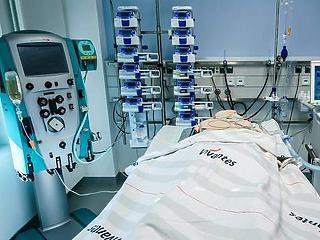Egyre nő a nyomás: május közepe óta nem kezeltek ennyi magyart kórházban koronavírus miatt