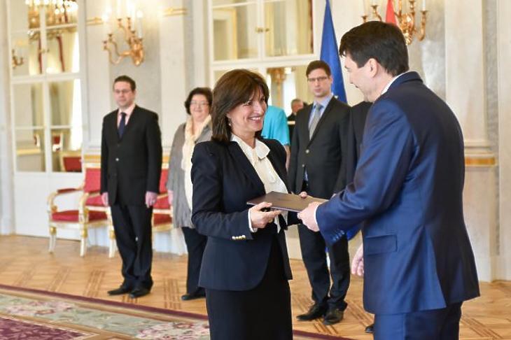 Vízkelety Mariann kinevezése 2015-ben (Fotó: kormany.hu)