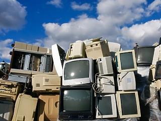 Évi 50 millió tonna e-hulladék keletkezik a világon