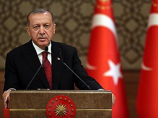 Új rend jött létre Törökországban - itt van Erdogan új kabinetje