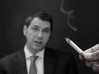 Lázár mindenkinek megtiltaná a dohányzást, aki 2019 után születik