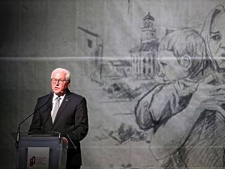 A lengyel elnök szerint 80 éve romba dőlt a normális világ
