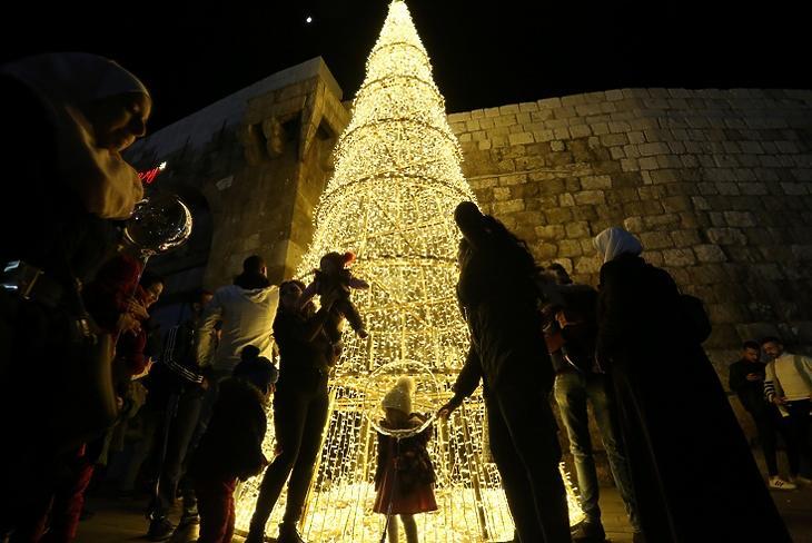 A nap képe: nem csak Nyugaton ünneplik a karácsonyt