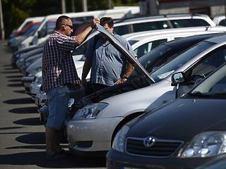 Stagnált az európai autópiac, a magyar bezzeg kilőtt