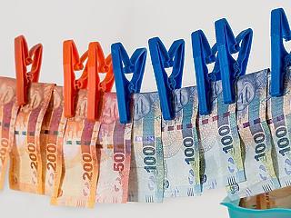 Trükkös pénzmosók buktak le – olcsón megúszták