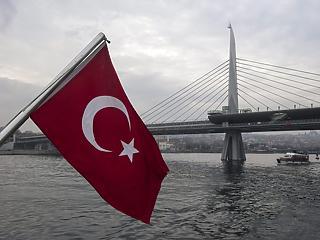 Trump újra megfenyegette a törököket
