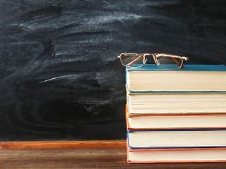 Lélektani határ felett: nagyon nem akar mérséklődni a pedagógushiány