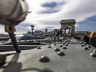 Nem csak a metró, de a Lánchíd felújítása is tovább tarthat a tervezettnél