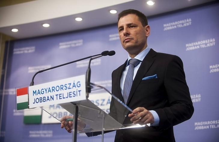 Egy magyar államtitkár minden nyereségét befizette az államkasszába