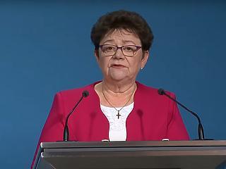 Nyitás az idősotthonokban - Müller Cecília elárulta az új szabályokat