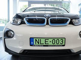 Óriási bejelentés: Debrecen mellett épít autógyárat a BMW