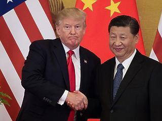 Végre aláírták: tűzszünetet kötött Trump Pekinggel