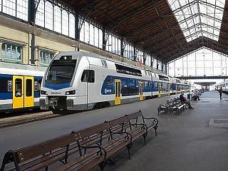 Óriási razzia lesz a vonatokon, állomásokon