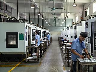 Történelmi mélypontra zuhant a kínai feldolgozóipar a járvány miatt