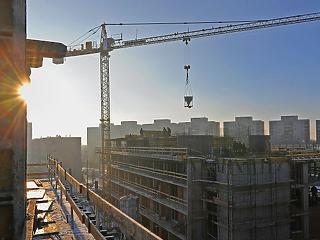 Maradnak a kiakasztó árak a magyar lakáspiacon, de a távolban már látszik a fordulat