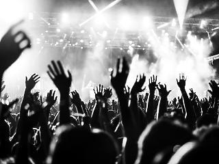 Annyi az idei nagy fesztiválok jó részének, csak 6 millió beoltottnál lehetnek