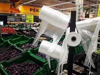 Nem szavazta meg a Fidesz a műanyag zacskók betiltását