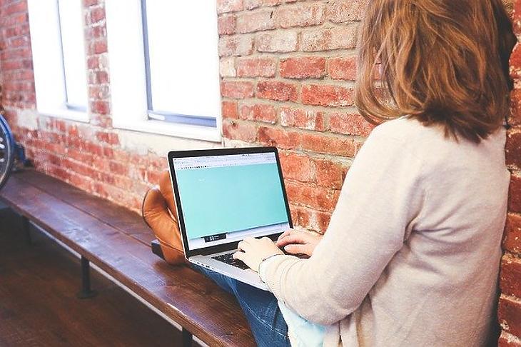 Egyes tanároknak plusz pénzbe került a digitális oktatás. Fotó: Pixabay