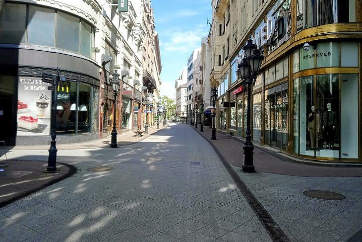 Budapesti ingatlanpiac: kevesebb lakás és drágábban