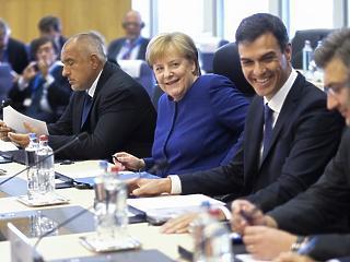 Merkel: mindenki vegye ki a részét a menekültválságból