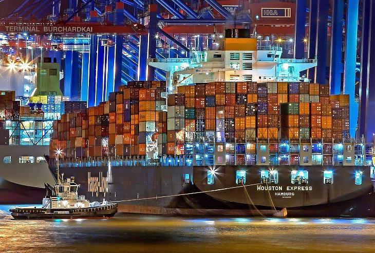 Kontérnerhajók Hamburgban (illusztráció, Pixabay.com)