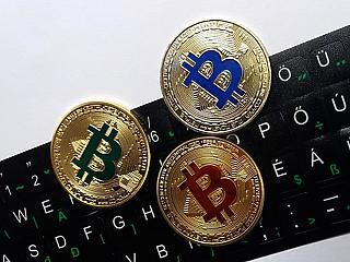 A bitcoin lekörözte Buffett-et, euróban nagy mínuszban zárta az évet a BUX