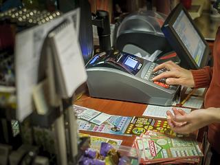 Bekötötték az online pénztárgépet, hirtelen 30 százalékkal ugrott meg a forgalom