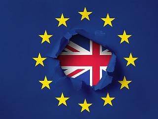Brüsszelben aláírták az új Brexit-megállapodást