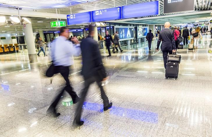 35 milliárdból utazgathatnak a miniszterek, államtitkárok