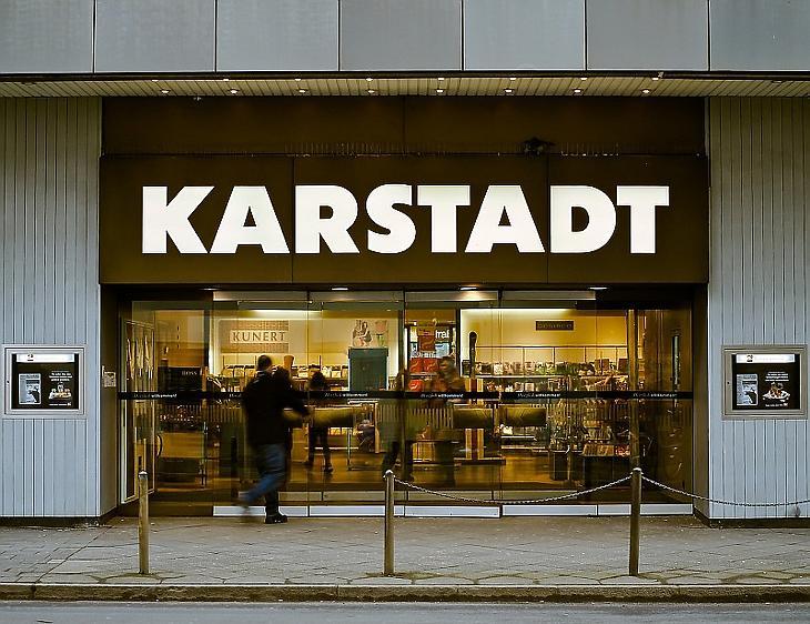 Összeolvad két nagy német áruházlánc, mi lesz ebből?