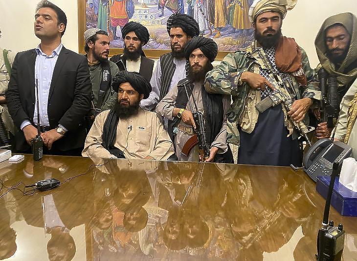 Elzárták a pénzcsapokat, mi lesz Afganisztánnal