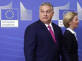 A nap képe: Orbán Viktor és von der Leyen különös kézfogása