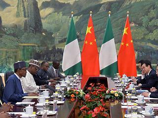 Egy kontinens politikai vulkánná alakul: adósságválság, Kína-ellenesség