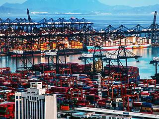 Részlegesen le kell zárni Kína több kikötőjét új vírusgócpontok miatt, ami globális áruhiányt okozhat