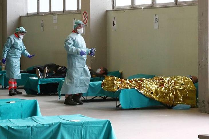 Válogatni kell a fertőzöttek között – interjú egy római kórház orvosával