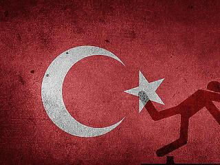Csúnyán megjárja Erdogan - zuhanórepüléseben Törökország