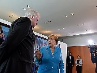 Még jobban inog Merkel széke, három lehetőség maradt