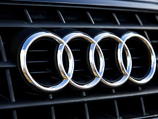 Az Audi is meghosszabbította a leállást