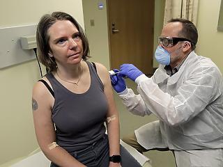 Koronavírus elleni oltást tesztelnek Seattle-ben
