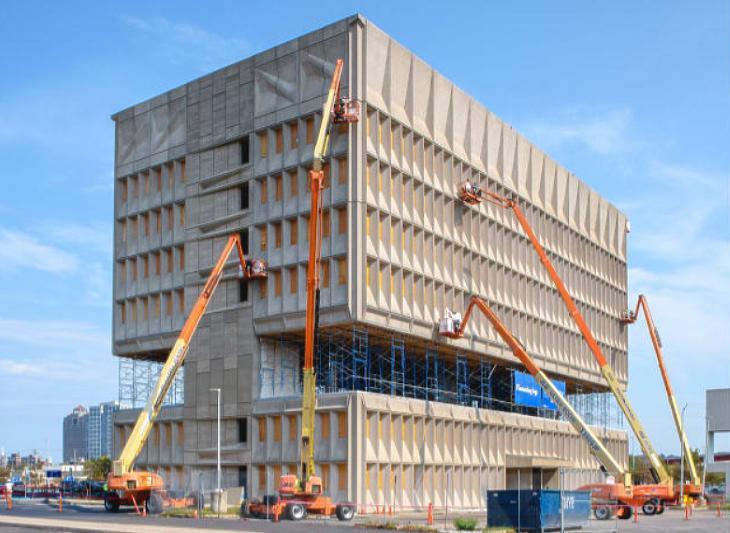 A híres irodaház, amiből hotel lesz, jövőre nyílik (fotó:bisnow.com)