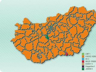 Narancssárgába borult az ország: simán hozta a kétharmadot a Fidesz
