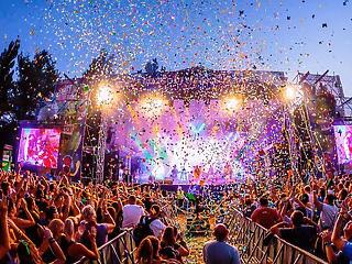 Milliárdos bukások és minimális állami támogatás után lehetnek újra koncertek