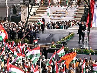 Orbán a magyar függetlenség mellett kardoskodott és a lengyeleket éltette
