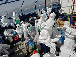 Elszakadt a cérna - felszámolja a migránstáborokat Szicília