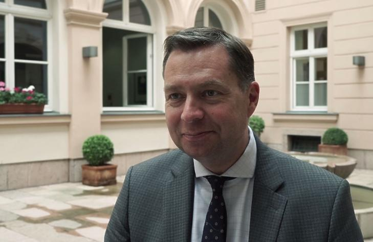 Értékeli az EU-tagságot az Orbán-kormány a német belügyi államtitkár szerint