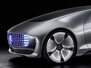 Robottaxik helyett a biztonságra koncentrál a Daimler